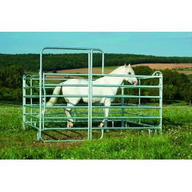 Paardenbox van paddock panelen