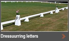 Dressuurring letters